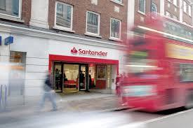 Santander estima que el desplazamiento de vacunas ayudará a la reactivación económica